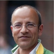 """""""Harald Schrefl – unauffällig, bescheiden und sowas von WebPerfect, dass einem in der Klarheit, wie er intuitiv erfasst, was sein Gegenüber brauchen wird ... - misha-180x180"""